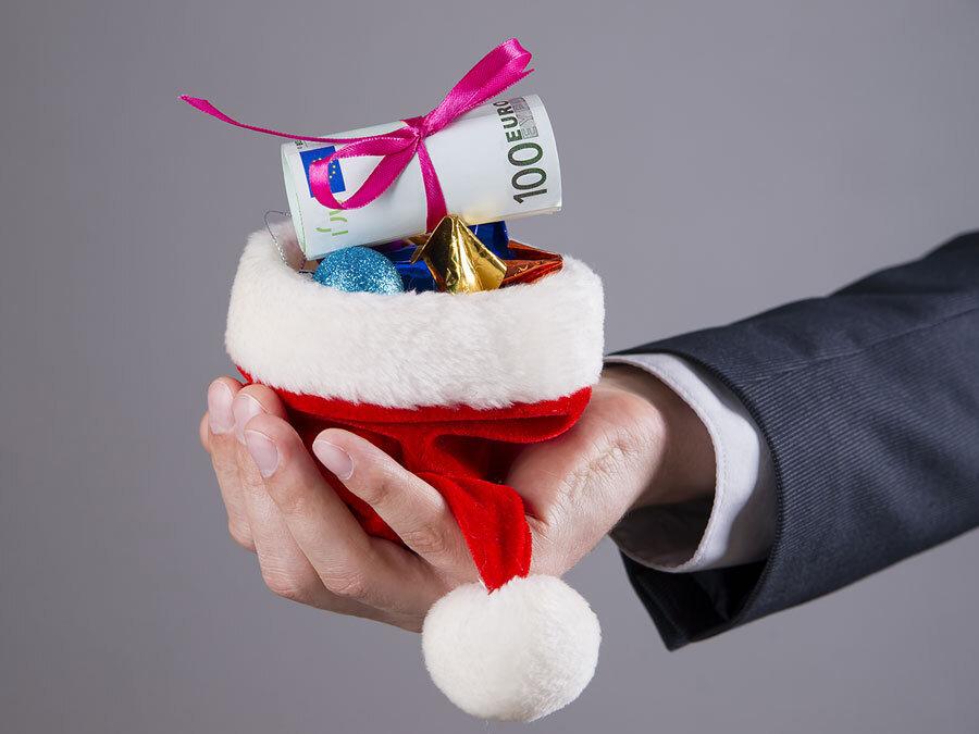 weihnachtsgeld-muss-vor-verfallsfrist-geltend-gemacht-werden